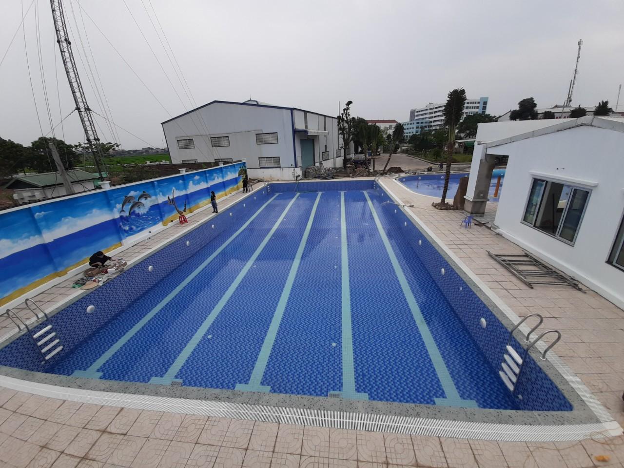 Bể bơi Long thắng